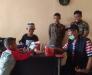 Kunjungi Pengamen Cilik,Marlis Syarif Berikan Sarung dan Uang